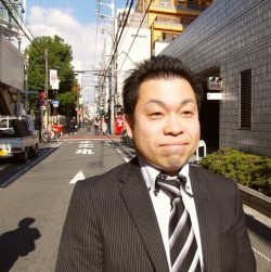 松根 隆晴 (Takaharu Matsune)..